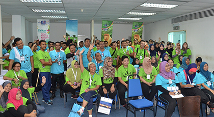 Senai Airport Team Up to Clean Up